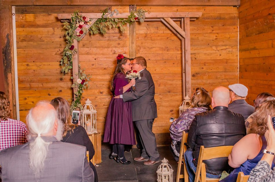 Stephanie Walls Photography 0296 950x629 Barn at Holly Farms Elopement of Kimberly and Mike